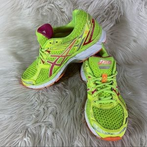 Asics GT 2000 2 Women's Running Shoes Size 7 Neon